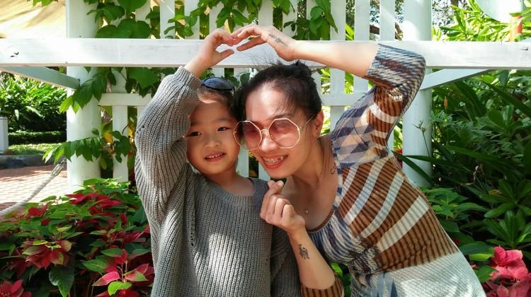 Niềng răng vẫn cười toe khoe bé mắc cài - Thảo Nguyễn